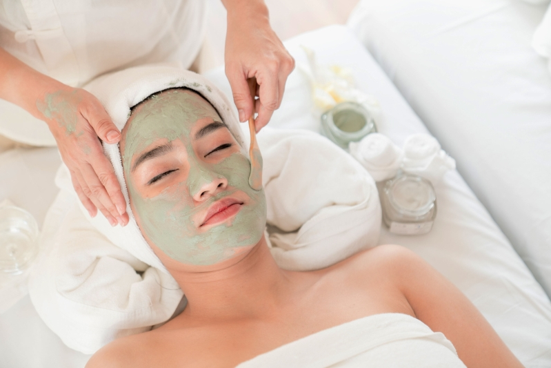 Dermatologist or Esthetician – Know Their Expertise to Make Right Decision