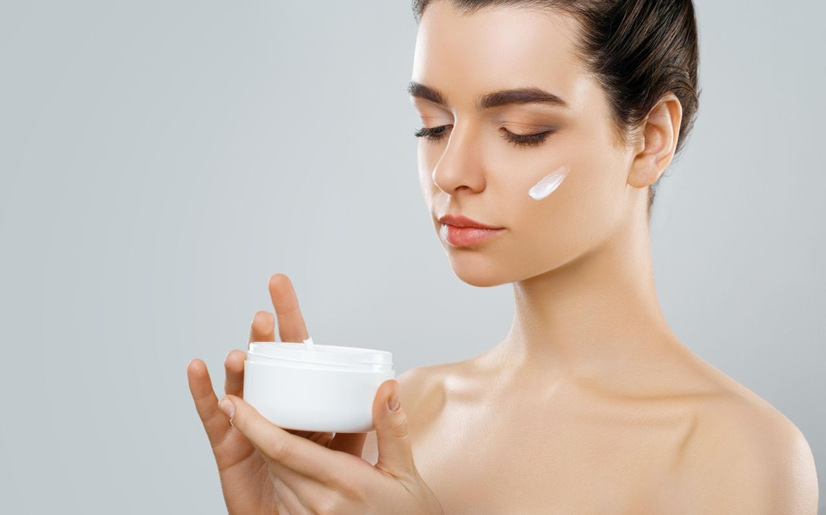 Using Healthy Skincare Products – Making Your Skin Lustrous